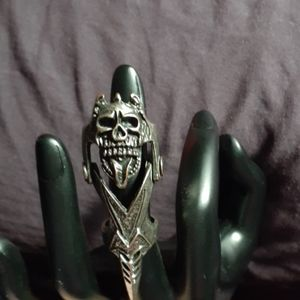 ☠ Wicked Cool Skull Armor Ring NWOT!! ☠